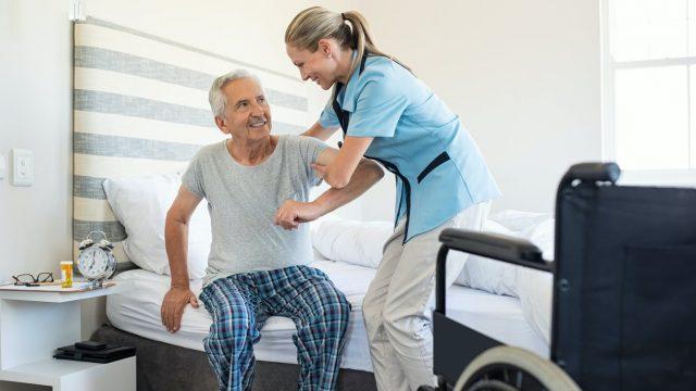 L'aide au retour à domicile après hospitalisation (ARDH) : comment ça fonctionne ?